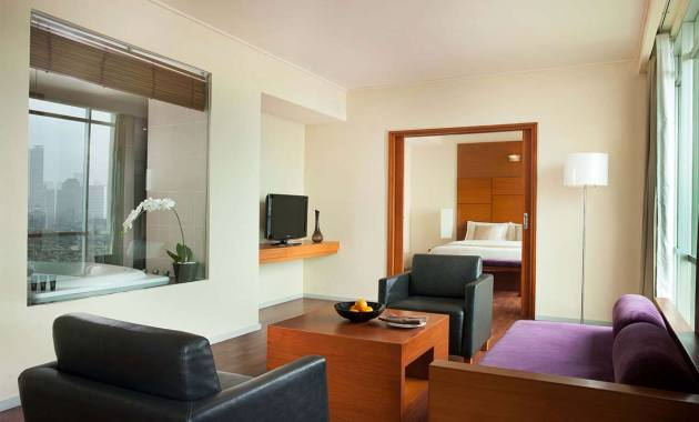 Hotel sparks luxe jakarta