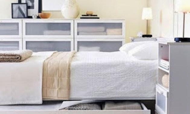 Inspirasi Kamar Tidur Ukuran Kecil Bergaya Modern warna cat putih