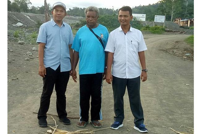 Pemalangan Proyek Pengendali Banjir Sungai Warmare di Buka