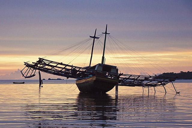Dishub Raja Ampat Klarifikasi Perahu Bagan Misterius di Jefman Timur