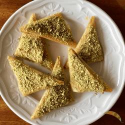 almond briouat