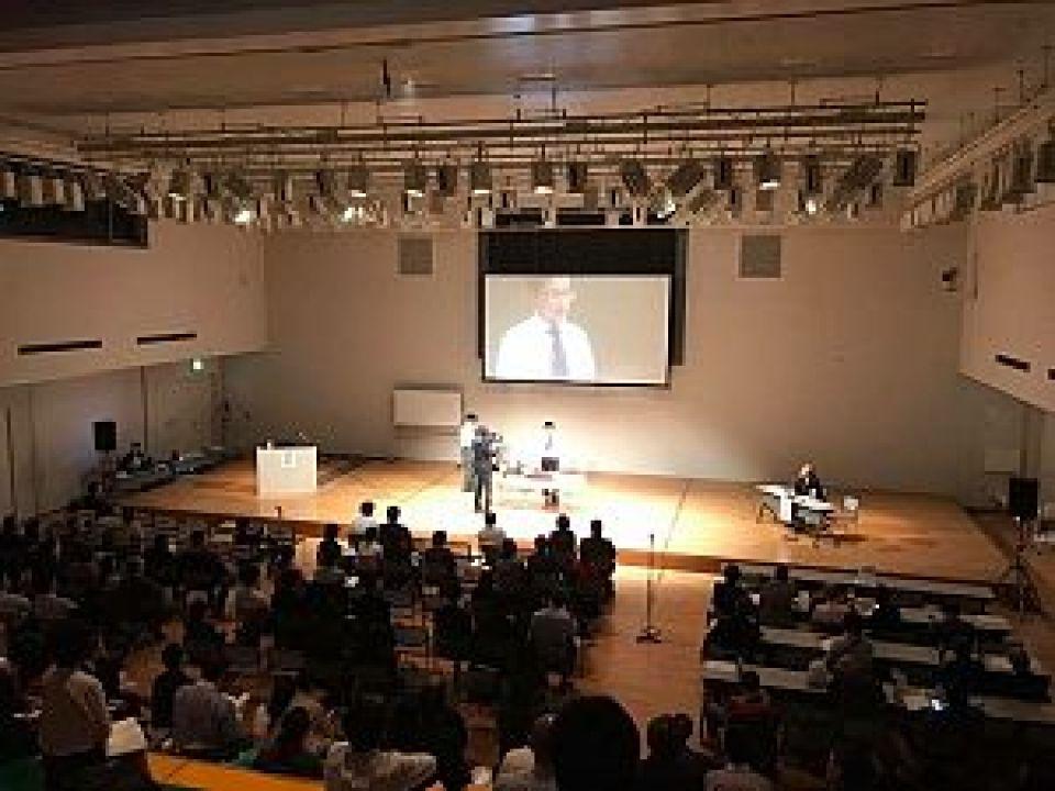 第45回 日本伝統鍼灸学会学術大会 金沢大会にて鍼道五経会 代表 足立繁久実技発表の様子