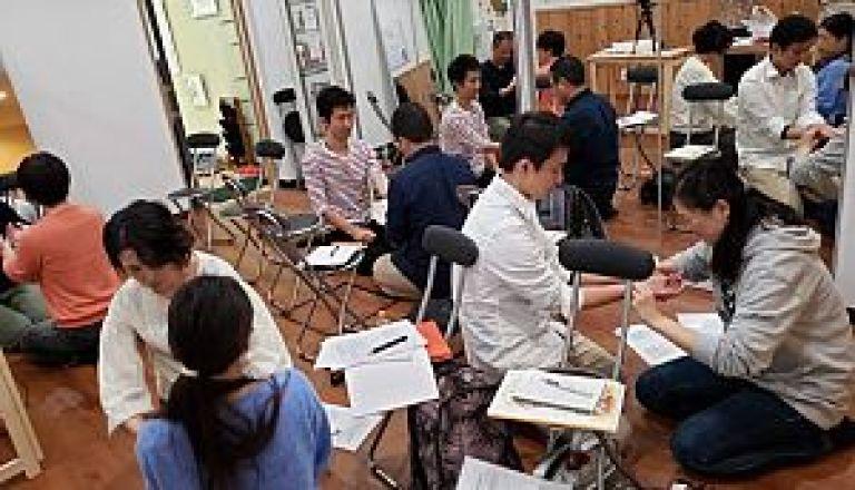 鍼道五経会 東京講座の脈診実技風景