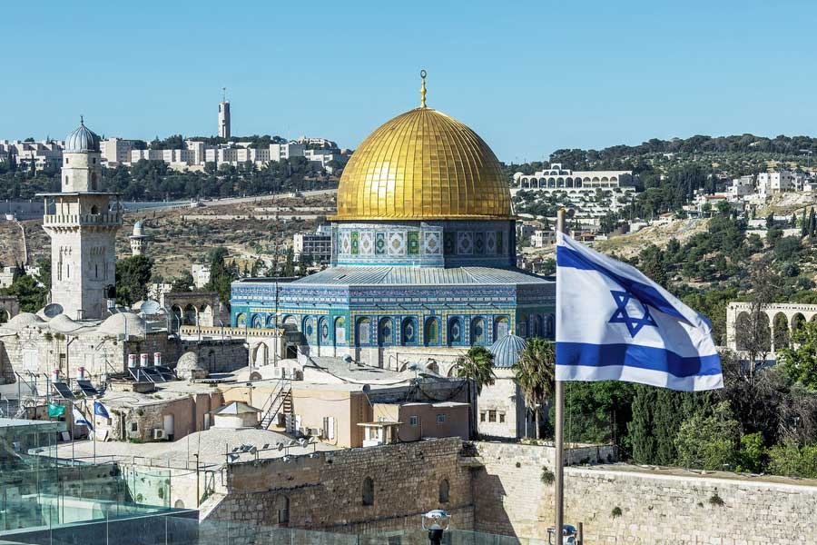 Israel Mengambil Alih Kontrol Atas Bukit Bait Suci