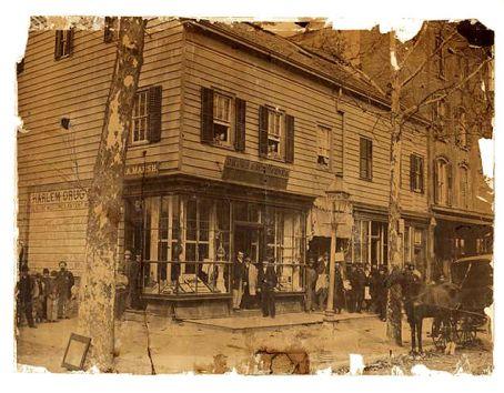 harlem-drugs-store 1900
