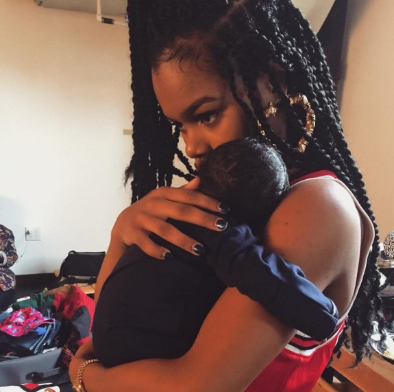 teyana taylor and baby in harlem2