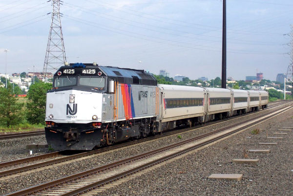 new_jersey_transit_train_1165