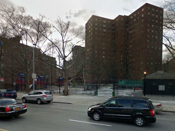 housing-complex-in-harlem