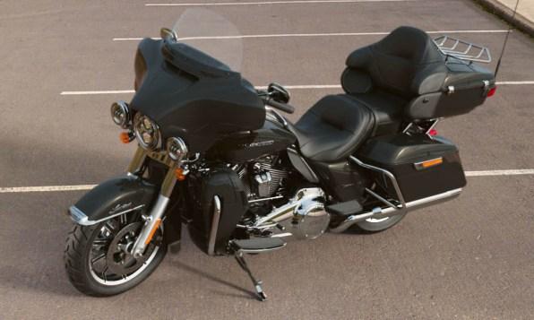 Motocykel Harley-Davidson touring Limited 114 farba Vivid Black