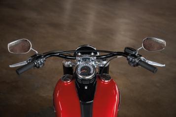 Motocykel Harley-Davidson Softail Slim
