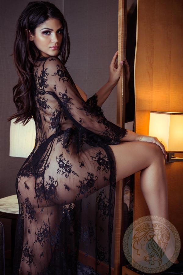 brunette-london-escort-livia-12