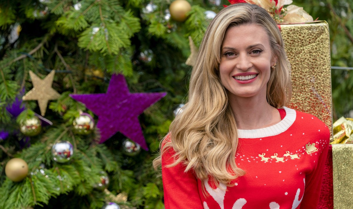 "Exclusive: An Interview With Brooke D'Orsay From Hallmark Channel's ""Miss Christmas"" (2017)"
