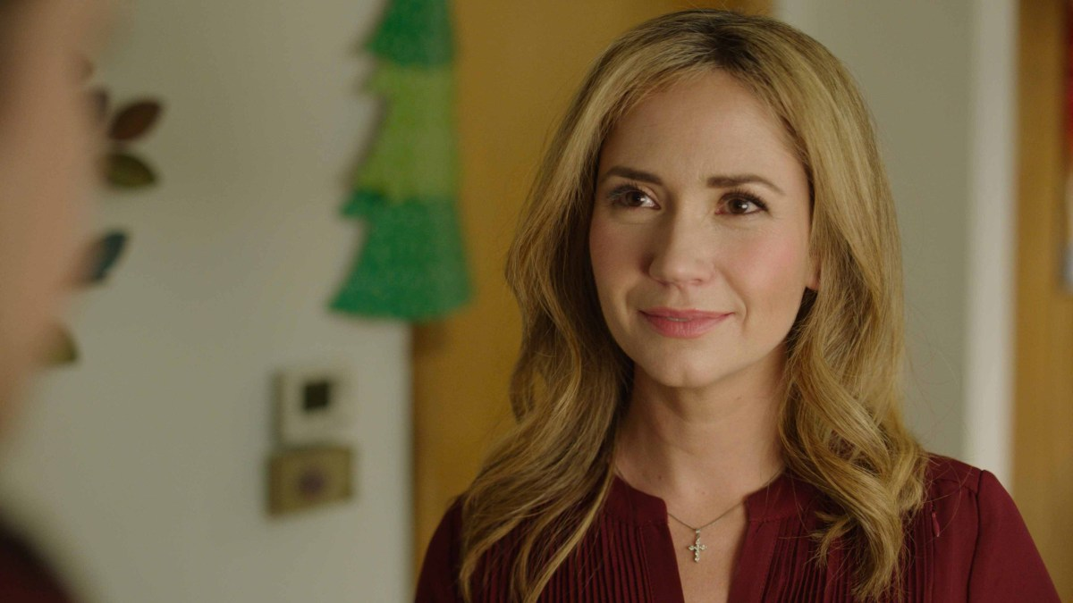 "Exclusive: An Interview With Ashley Jones From UPtv's ""12 Days Of Giving"""