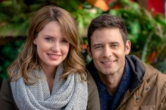When Lacey takes a rare break from work for her friend Ava's Christmas Eve wedding, she reconnects with her former flame, Ean. The two decorate the cottage where the newlyweds will spend their honeymoon – a cottage said to bring true love to anyone who stays there – and feel their chemistry return. Lacey, however, is dating her equally workaholic business partner, Roger, who arrives just before the wedding. With Roger in town Lacey sees the sharp contrast between Ean's family values and Roger's sole focus on work, and must decide if the professional goals she shares with Roger or the connection and history she shares with Ean are more important in a lasting relationship. Photo: Merritt Patterson, Steve Lund Credit: Copyright 2017 Crown Media United States LLC/Photographer: Ricardo Hubbs