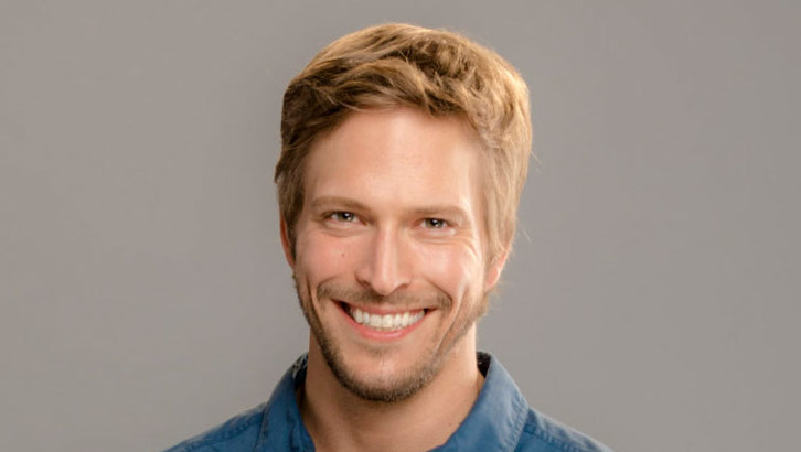 "Exclusive: An Interview With Jon Cor From Hallmark Channel's ""Love On Safari"""
