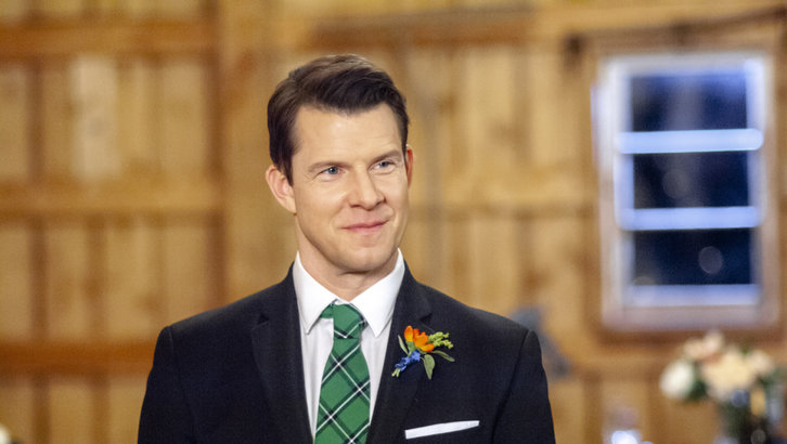 "Exclusive: An Interview With Eric Mabius From Hallmark's ""Signed, Sealed, Delivered: To the Altar"""
