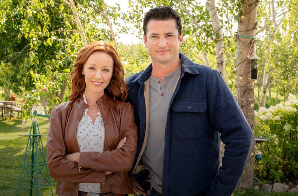 "Preview: ""Under The Autumn Moon"" A Hallmark Channel 'Fall Harvest' Movie"