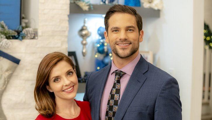 "Preview: ""Mingle All The Way"" A Hallmark Channel 'Countdown To Christmas' Original Movie (2018)"