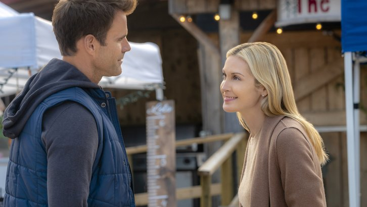"Preview: ""Love, Of Course"" A Hallmark Channel 'Fall Harvest' Movie"
