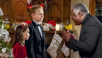 Marrying Father Christmas (12)