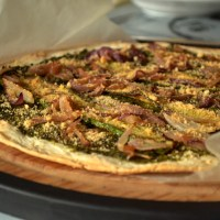 Green Bean Pesto Pizza