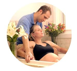 aromatherapy for pregnancy relaxation and labour, woman having home water birth