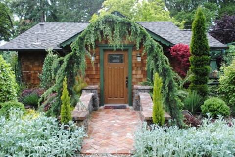 Freeland Tanner-Garden Designer-Napa-Garden Decor-Bespoke Garden Decor-living arch