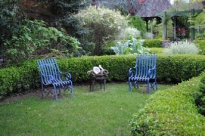 Freeland Tanner-Garden Designer-Napa-Garden Decor-Bespoke Garden Decor-garden seating