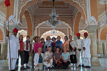 Debs India Blog - 2019 Nov 01 - Taj Mahal Group_crop