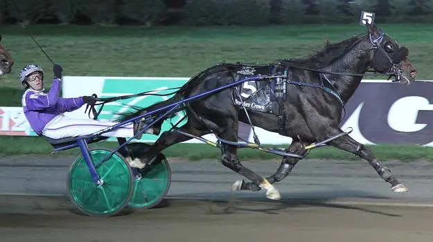 Racing Hill (Brett Miller) benefited from a battle between Check Six and Lyons Snyder.   Michael Lisa