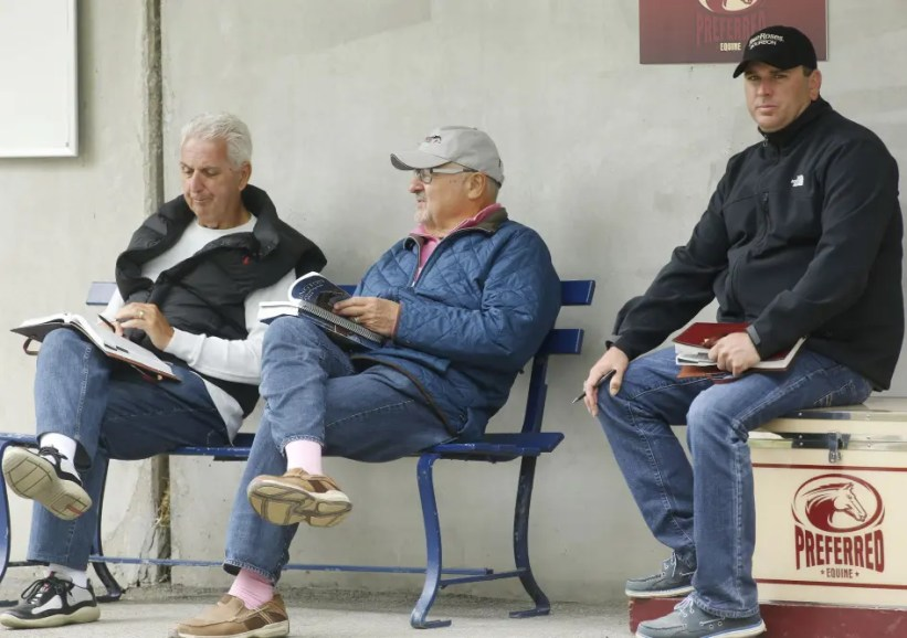 Dave Landry | Alagna (right) with owners John Fodera (left) and Myron Bell at the Lexington Selected Yearling Sale in 2016.
