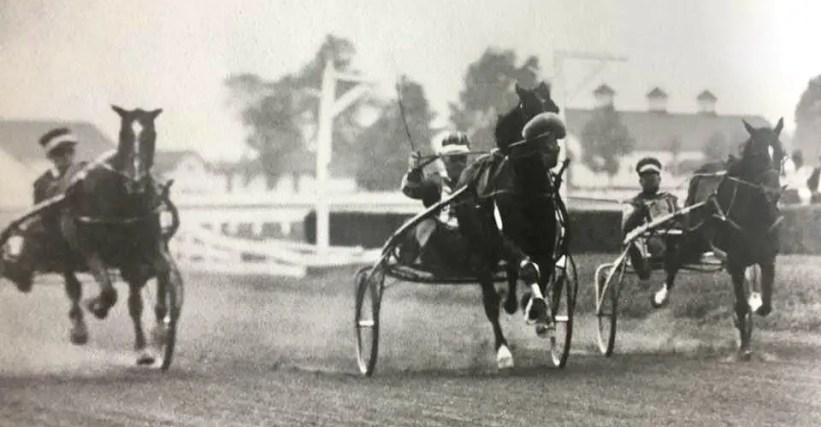Billy Direct (Vic Fleming) finishing his 1:55 mile at Lexington in 1938.