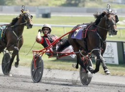 Dave Landry | Lather Up (Montrell Teague) shares his 1:46 world record with Always B Miki. As of the end of 2020, 2,403 different horses had recorded a mile in 1:50 or faster.