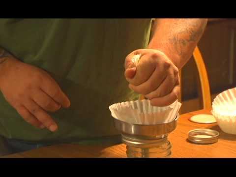How to make a small batch of cannabis oil