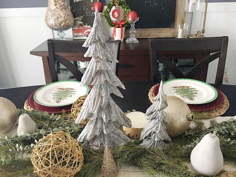 Holiday Dining Table Scape