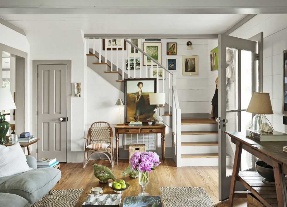 Flip the script (dark walls, white woodwork) and try the reverse.
