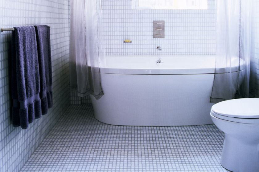 Best Brands and Types of Tile For Small Bathrooms