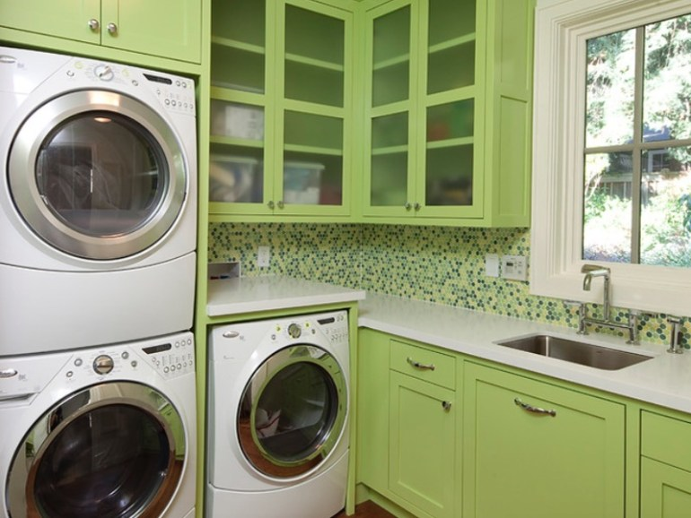 A Vibrant Laundry Room Color Theme Ideas