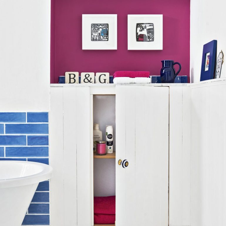 Small Bathroom Decor Ideas - Add A Hint of Colour to A White Suite on Small Bathroom Decor - harpmagazine.com