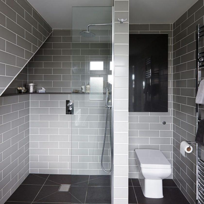 Work in A Wet Small Bathroom Decor Ideas