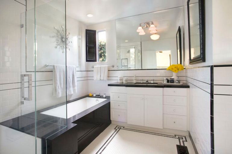 Small Bathroom Decor Ideas - Light Colors Promote a Greater Feeling of Space Small Bathroom Ideas - harpmagazine.com