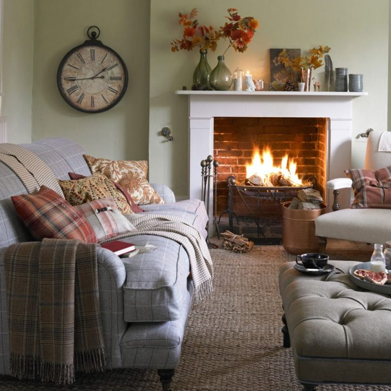 Small Living Room Decorating Ideas - Place your pattern to create a theme