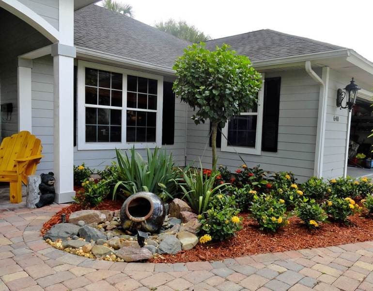 Front Yard Landscaping Ideas: Mini Water Function Entryway harpmagazine