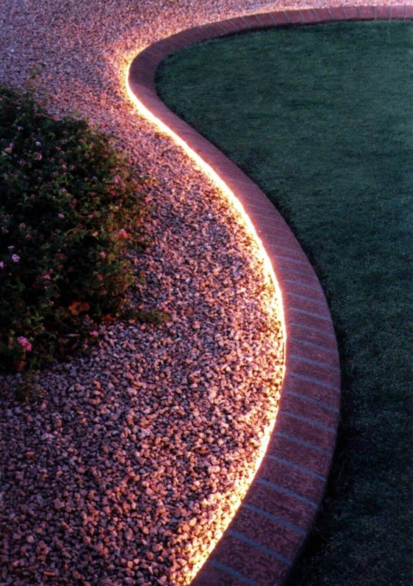 Discreet Flower Bed Lights Front Yard Landscaping Ideas