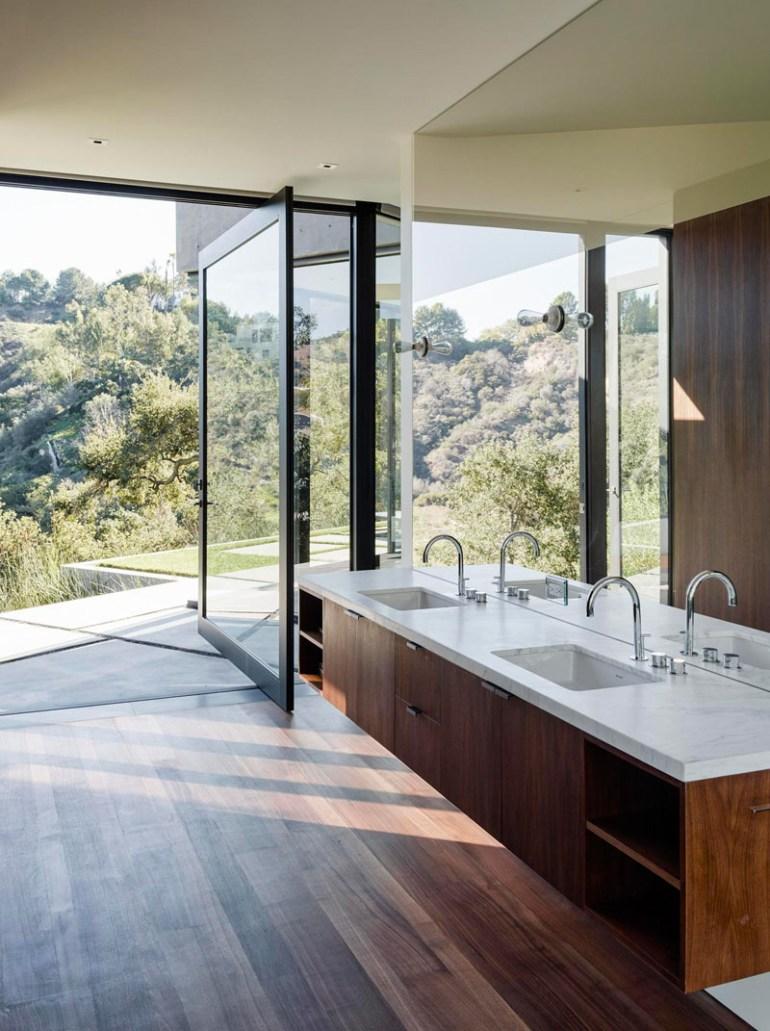 Bathroom Mirror Ideas - A Single Large Mirror 3 - harpmagazine.com