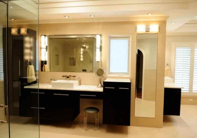 20+ Best Bathroom Mirror Ideas on Wall for Single & Double Sink