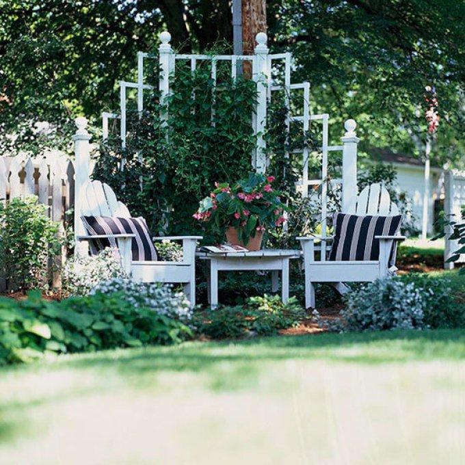 Backyard Landscaping Ideas - Create a Cozy Backyard Corner - harpmagazine.com