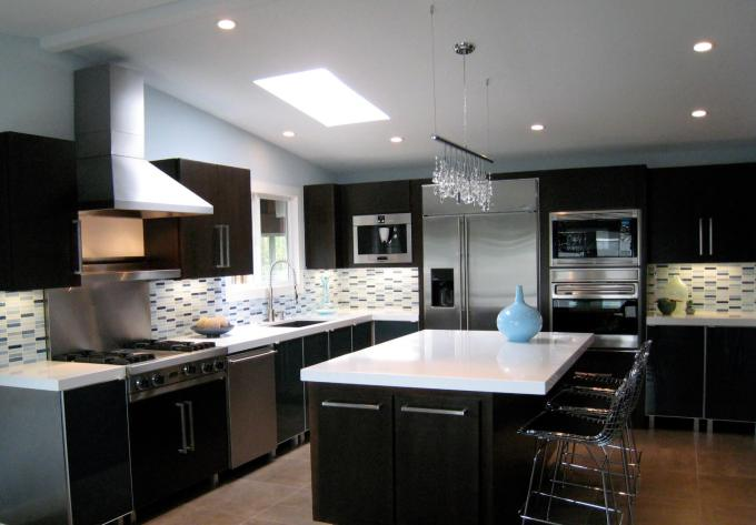 Kitchen Lighting Ideas - Chandelier - harpmagazine.com