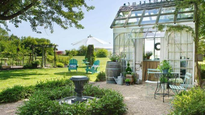Backyard Landscaping Ideas - Backyard Escape - harpmagazine.com