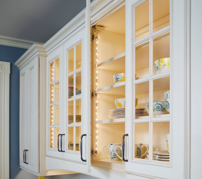 Kitchen Lighting Ideas - Lighting Under Worktop - harpmagazine.com